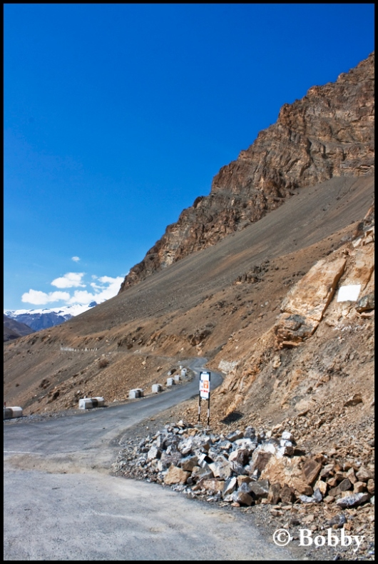 The roads that lead towards the Kibber Village - the highest motorable vilage in the world!